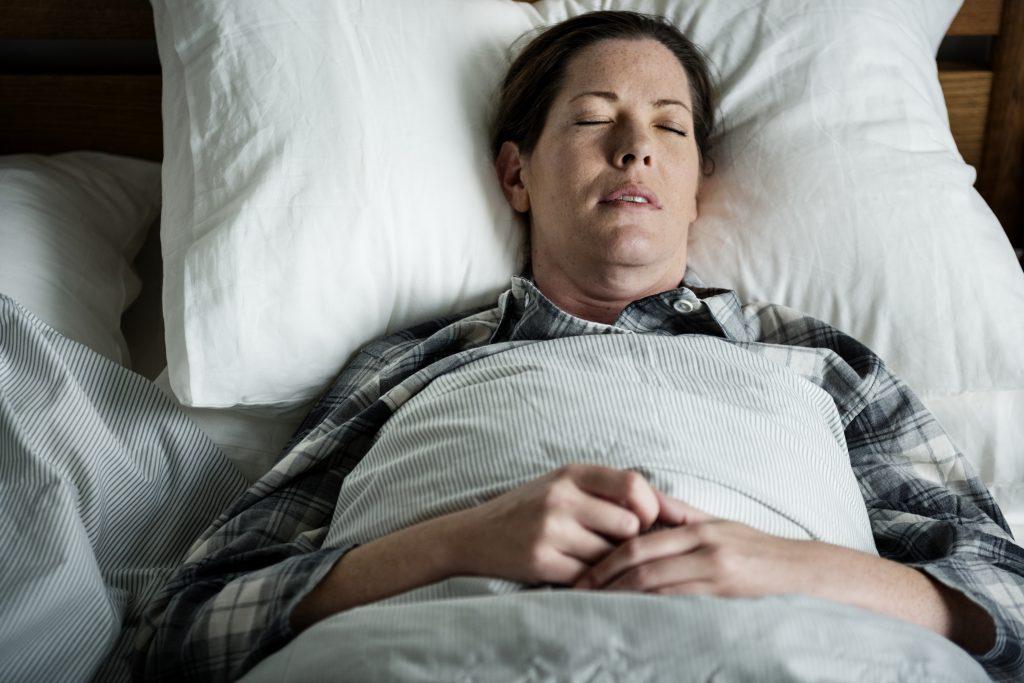 หมอนขนเป็ดเทียม นอนหลับสบาย โรงแรม 5 ดาว